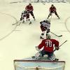 VIDEO: Hokejista minul puk a byl z toho nejkurióznější gól play off!