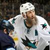 Thornton dohrál sezonu NHL s přetrženými vazy